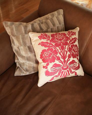 Pink_cushion_3