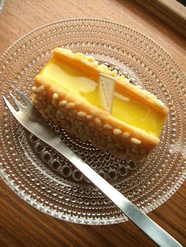 TARLUM ケーキ
